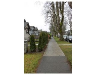 Photo 8: 3539 W 10TH AV in Vancouver: House for sale : MLS®# V931077