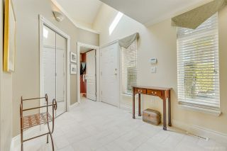 """Photo 5: 57 3405 PLATEAU Boulevard in Coquitlam: Westwood Plateau Townhouse for sale in """"PINNACLE RIDGE"""" : MLS®# R2483170"""