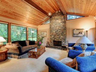 Photo 2: 973 Wagonwood Pl in Saanich: SE Broadmead House for sale (Saanich East)  : MLS®# 856432