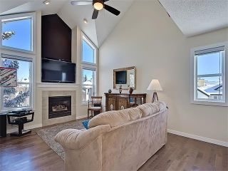 Photo 1: 203 438 31 Avenue NW in Calgary: Mount Pleasant House for sale : MLS®# C4119240