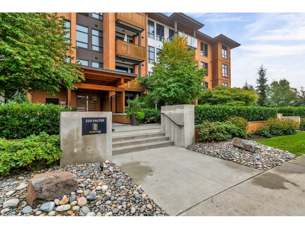 Main Photo: 104 220 SALTER STREET in New Westminster: Queensborough Condo for sale : MLS®# R2506742