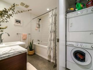 """Photo 32: 222 256 E 2ND Avenue in Vancouver: Mount Pleasant VE Condo for sale in """"Jacobsen"""" (Vancouver East)  : MLS®# R2495462"""