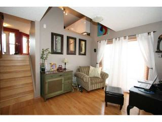 Photo 13: 250 25 Avenue NE in CALGARY: Tuxedo Residential Detached Single Family for sale (Calgary)  : MLS®# C3421200