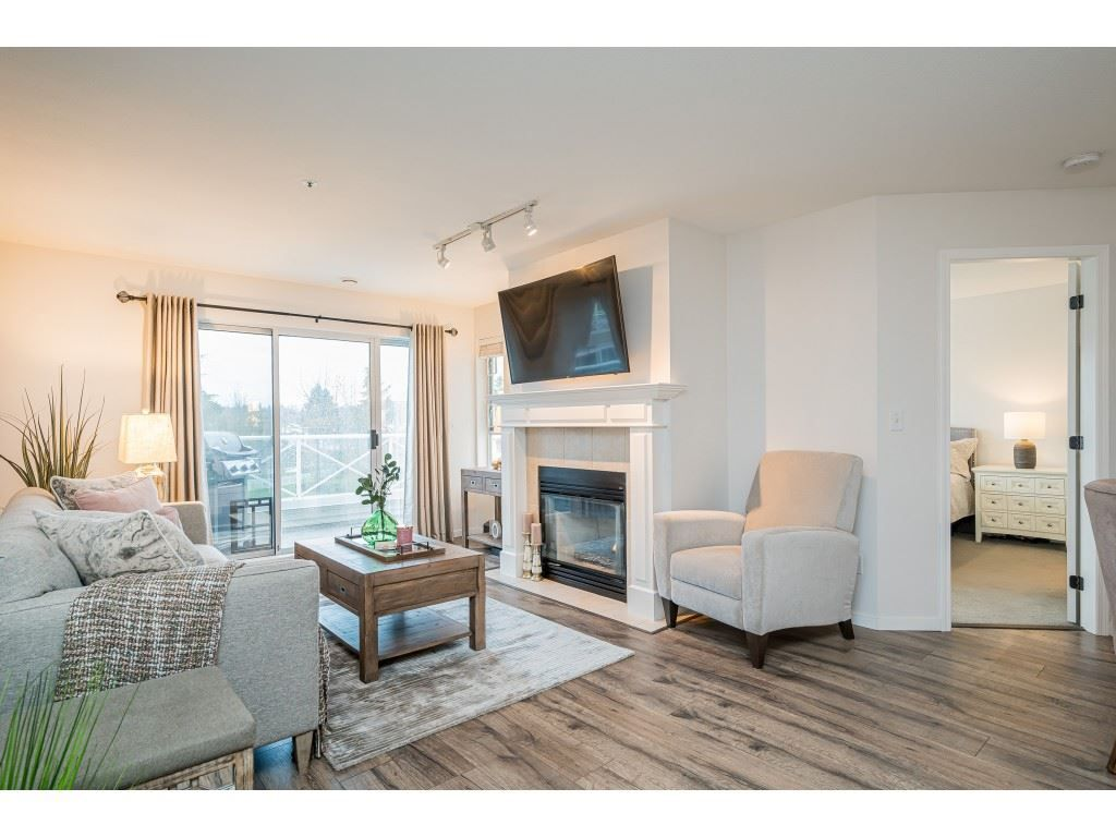 """Photo 3: Photos: 312 5568 201A Street in Langley: Langley City Condo for sale in """"Michaud Gardens"""" : MLS®# R2563265"""