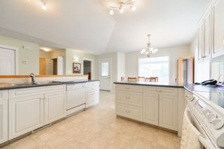 Photo 11: 18 WILLOW PARK Villa: Stony Plain House Half Duplex for sale : MLS®# E4251204