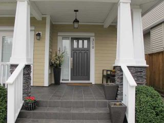 Photo 2: 310 HOLMES Street in New Westminster: The Heights NW House  : MLS®# V1107334