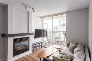"""Photo 4: 1501 989 RICHARDS Street in Vancouver: Downtown VW Condo for sale in """"MONDRIAN ONE"""" (Vancouver West)  : MLS®# R2171002"""