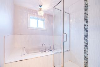 """Photo 20: 4146 GILPIN Crescent in Burnaby: Garden Village House for sale in """"GARDEN VILLAGE"""" (Burnaby South)  : MLS®# R2424746"""