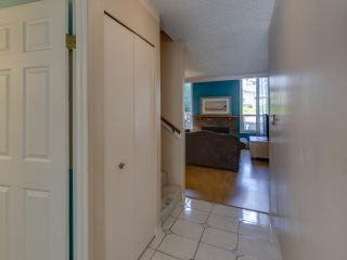 "Photo 3: 44 6871 FRANCIS Road in Richmond: Woodwards Townhouse for sale in ""Timberwood Village"" : MLS®# R2495957"