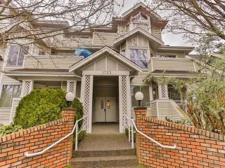"Photo 2: 402 1723 FRANCES Street in Vancouver: Hastings Condo for sale in ""SHALIMAR GARDENS"" (Vancouver East)  : MLS®# R2043498"