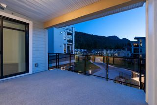 """Photo 10: 301 5380 TYEE Lane in Chilliwack: Vedder S Watson-Promontory Condo for sale in """"THE BOARDWALK AT RIVERS EDGE"""" (Sardis)  : MLS®# R2622532"""