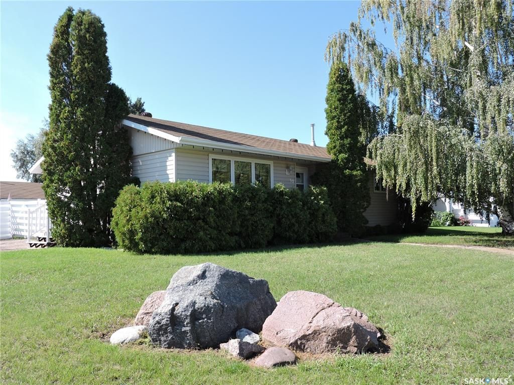 Main Photo: 50 McBurney Drive in Yorkton: Heritage Heights Residential for sale : MLS®# SK869630
