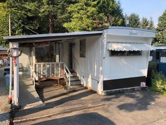 Main Photo: 9 6280 KING GOERGE Boulevard in Surrey: Sullivan Station Manufactured Home for sale : MLS®# R2572856