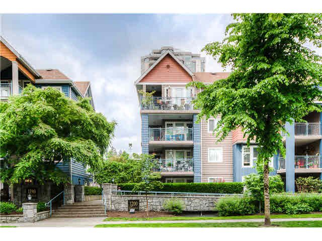 "Main Photo: 404 1200 EASTWOOD Street in Coquitlam: North Coquitlam Condo for sale in ""LAKESIDE TERRACE"" : MLS®# V1123537"