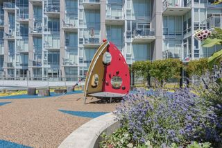 """Photo 12: 105 1618 QUEBEC Street in Vancouver: Mount Pleasant VE Condo for sale in """"Central"""" (Vancouver East)  : MLS®# R2617050"""