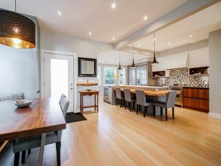 """Photo 5: 557 E 48TH Avenue in Vancouver: Fraser VE House for sale in """"Fraser"""" (Vancouver East)  : MLS®# R2544745"""