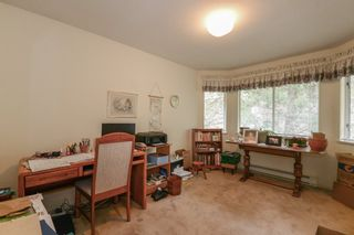 """Photo 13: 3934 LINWOOD Street in Burnaby: Burnaby Hospital Townhouse for sale in """"CASCADE VILLAGE"""" (Burnaby South)  : MLS®# R2489487"""