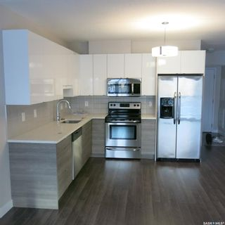 Photo 2: 212 550 4th Avenue North in Saskatoon: City Park Residential for sale : MLS®# SK840391
