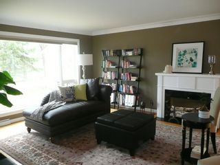 Photo 2: 2466 Assiniboine Crescent in : Silver Heights Single Family Detached for sale