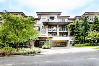 "Photo 1: 306 1633 MACKAY Avenue in North Vancouver: Pemberton NV Condo for sale in ""Touchstone"" : MLS®# R2462638"