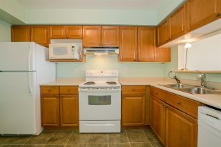 Photo 7: 305 1180 PINETREE Way in Coquitlam: North Coquitlam Condo for sale : MLS®# R2285699