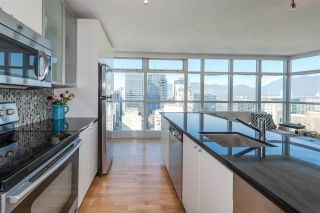 """Photo 8: 2804 438 SEYMOUR Street in Vancouver: Downtown VW Condo for sale in """"CONFERENCE PLAZA"""" (Vancouver West)  : MLS®# R2317789"""