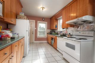 Photo 4: 2668 E 8TH Avenue in Vancouver: Renfrew VE House for sale (Vancouver East)  : MLS®# R2154195