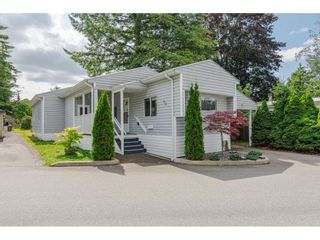 """Photo 1: 79 24330 FRASER Highway in Langley: Otter District Manufactured Home for sale in """"Langley Grove Estates"""" : MLS®# R2390843"""
