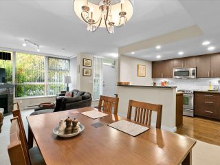 """Photo 5: 169 MILROSS Avenue in Vancouver: Downtown VE Townhouse for sale in """"Creekside at Citygate"""" (Vancouver East)  : MLS®# R2622901"""