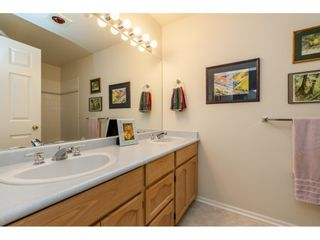 """Photo 20: 98 9012 WALNUT GROVE Drive in Langley: Walnut Grove Townhouse for sale in """"Queen Anne Green"""" : MLS®# R2456444"""