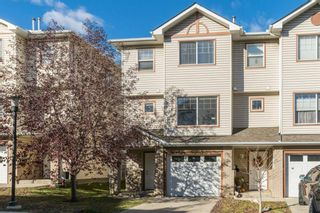 Main Photo: 14 Dover Mews SE in Calgary: Dover Row/Townhouse for sale : MLS®# A1155115