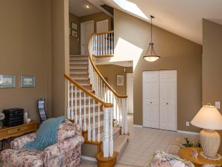 Photo 2: 1017 Kingsley Cres in COMOX: CV Comox (Town of) House for sale (Comox Valley)  : MLS®# 785781