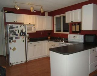 Photo 2: 321 THOM Avenue East in WINNIPEG: Transcona Residential for sale (North East Winnipeg)  : MLS®# 2819519