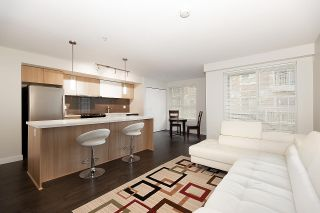 """Photo 5: 116 618 LANGSIDE Avenue in Coquitlam: Coquitlam West Townhouse for sale in """"BLOOM"""" : MLS®# R2531009"""