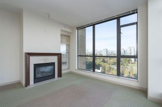 """Photo 4: 1701 7368 SANDBORNE Avenue in Burnaby: South Slope Condo for sale in """"MAYFAIR PLACE"""" (Burnaby South)  : MLS®# R2414676"""