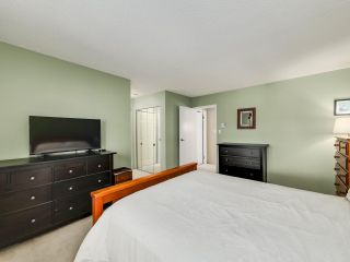"""Photo 12: 5872 MAYVIEW Circle in Burnaby: Burnaby Lake Townhouse for sale in """"ONE ARBOURLANE"""" (Burnaby South)  : MLS®# R2542010"""