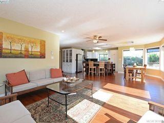 Photo 3: 4901 Maxine Lane in VICTORIA: SE Cordova Bay House for sale (Saanich East)  : MLS®# 767062