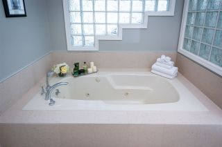 Photo 9: 5574 WESTHAVEN Road in West Vancouver: Eagle Harbour House for sale : MLS®# R2204697