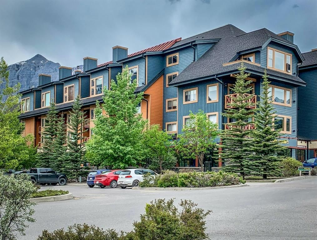 Main Photo: 207 1120 Railway Avenue: Canmore Apartment for sale : MLS®# A1100767