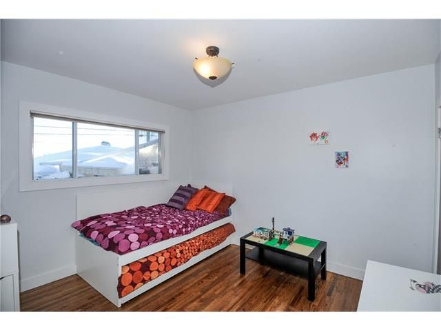 Photo 8: Photos: 1912 GLENWOOD Drive SW in Calgary: Glendale House for sale : MLS®# C4093243