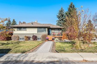 Main Photo: 160 Westview Drive SW in Calgary: Westgate Detached for sale : MLS®# A1156045