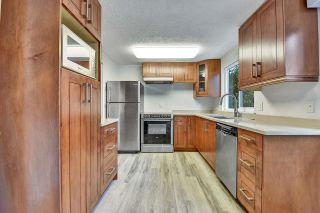 """Photo 2: 37 21555 DEWDNEY TRUNK Road in Maple Ridge: West Central Townhouse for sale in """"Richmond Court"""" : MLS®# R2611376"""