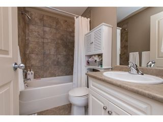 """Photo 18: 1 33321 GEORGE FERGUSON Way in Abbotsford: Central Abbotsford Townhouse for sale in """"Cedar Lane"""" : MLS®# R2438184"""