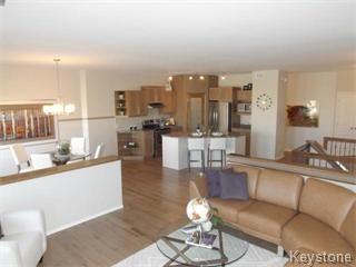 Main Photo: 11 Casselman Crescent: Oak Bluff Single Family Attached for sale : MLS®# 1403118