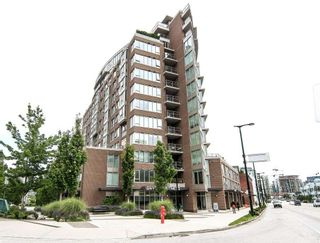 """Photo 1: 701 445 W 2ND Avenue in Vancouver: False Creek Condo for sale in """"MAYNARD'S BLOCK"""" (Vancouver West)  : MLS®# R2084964"""