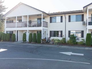 """Photo 2: 74 32959 GEORGE FERGUSON Way in Abbotsford: Central Abbotsford Townhouse for sale in """"Oakhurst"""" : MLS®# R2431213"""