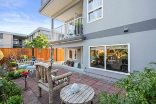"""Photo 40: 828 PARKER Street: White Rock House for sale in """"EAST BEACH"""" (South Surrey White Rock)  : MLS®# R2607727"""