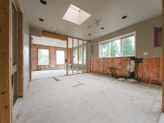 Photo 10: 115 MOUNTAIN Drive: Lions Bay House for sale (West Vancouver)  : MLS®# R2561948