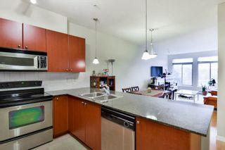 Photo 4: 311 15380 102A Avenue in Surrey: Guildford Condo for sale (North Surrey)  : MLS®# R2045256