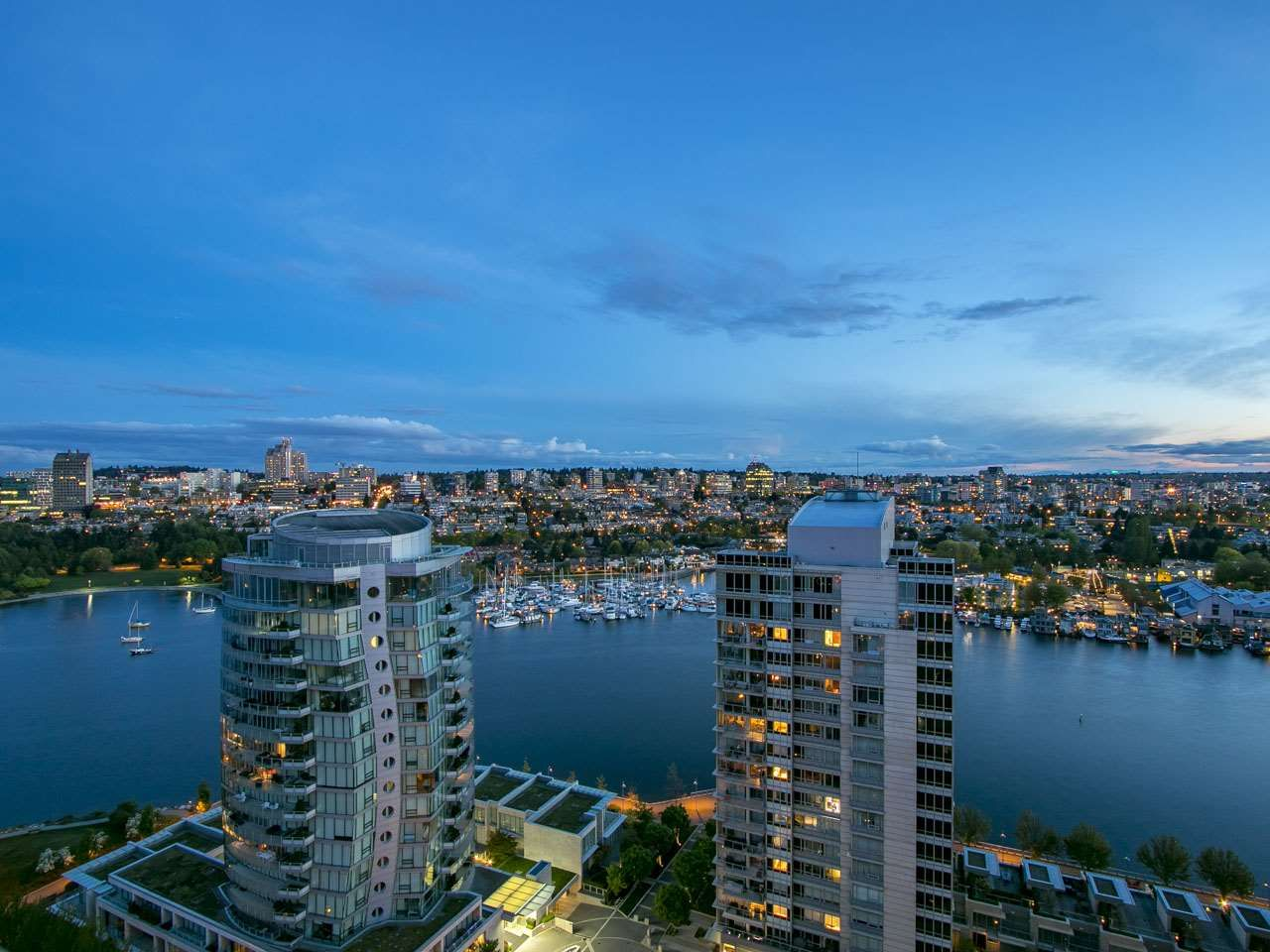 "Main Photo: 2606 1483 HOMER Street in Vancouver: Yaletown Condo for sale in ""Waterford"" (Vancouver West)  : MLS(r) # R2170033"